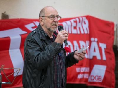 Hans Georg Harms als Sprecher auf der 1.Mai-Kundgebung