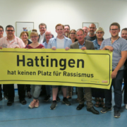 SPD Hattingen - Stadtverband mit einem Anti-Rassismus Plakat der Aktion Demokratie leben